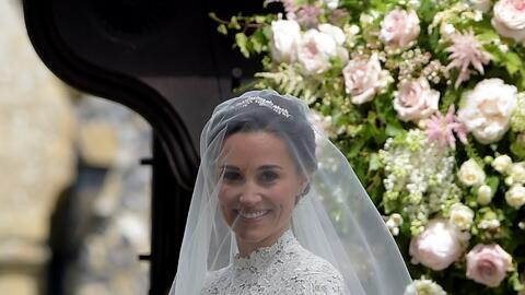 Pippa Middleton lució un hermoso vestido diseñado por Giles Deacon, esti...