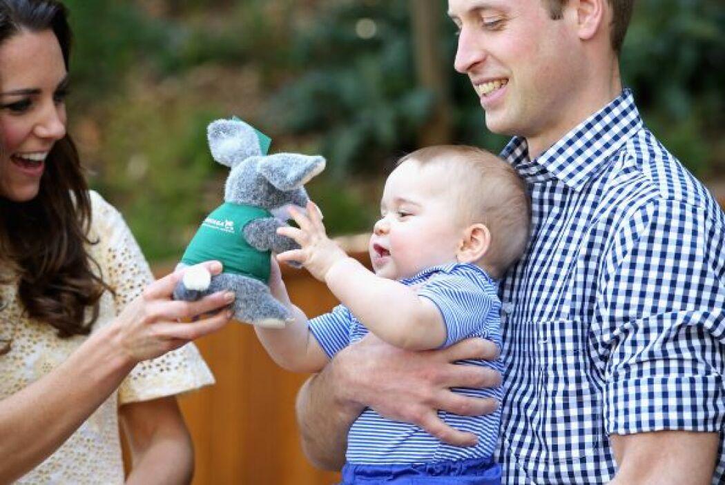 Mira más fotos del pequeño George y sus papás.