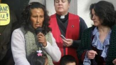 La pastora Anne Dunlap, de la iglesia Comunidad Liberación (c) y Nicole...