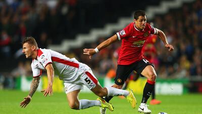 Chicharito, considerado por el Manchester United para disputar la Champions