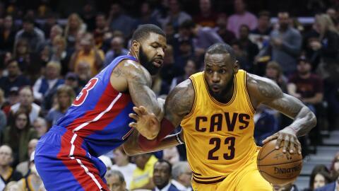 Kyrie Irving anotó 25 puntos y LeBron James agregó 21.