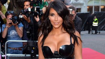 ¡Kim Kardashian llega a los 34 años muy sexy y enamorada!