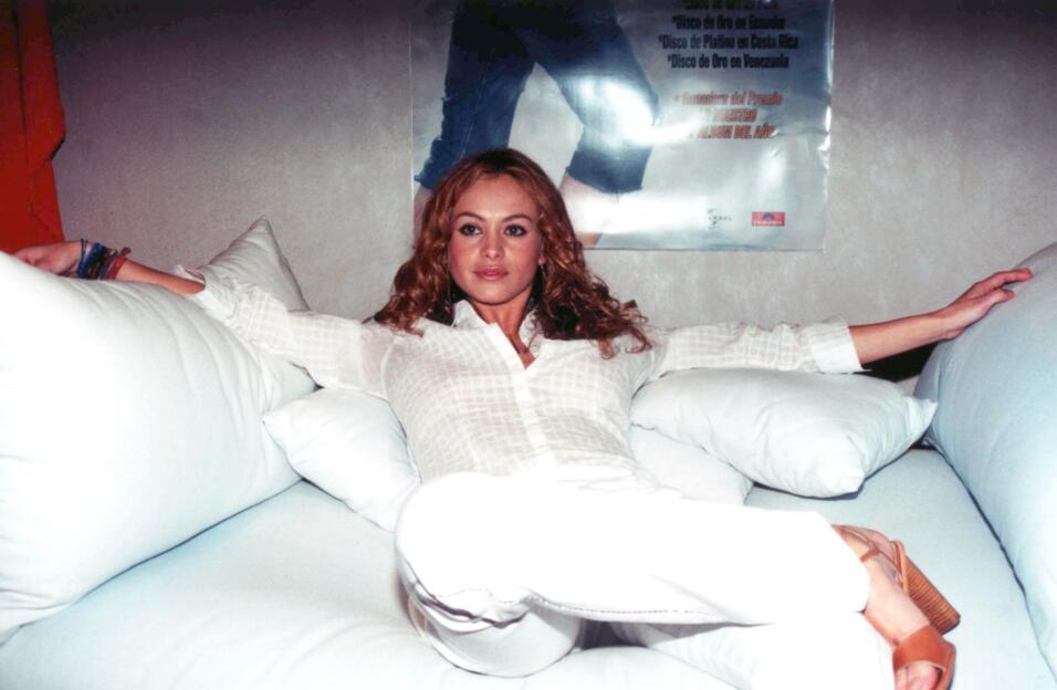 Paulina Rubio en la promoción de su disco Paulina a los 30 años de edad,...