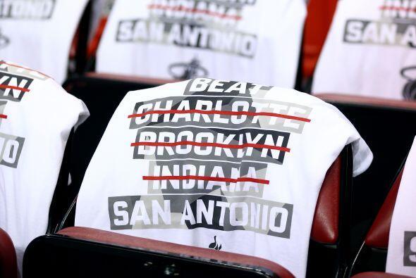 En el baloncesto de la NBA los aficionados del Heat de Miami esperaban m...