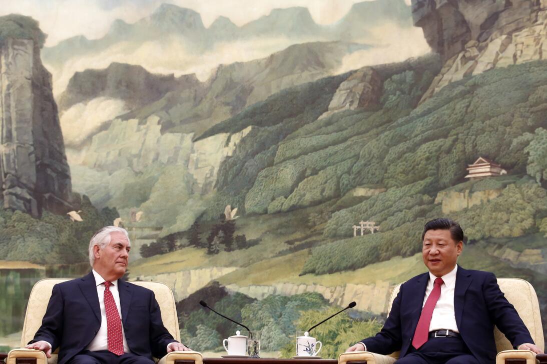 Rex Tillerson, llegó a Pekín el sábado tras haber v...