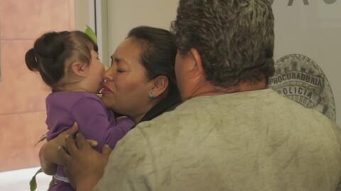 Abuelos recuperan a su nieta desaparecida hace casi un año en Baja Calif...