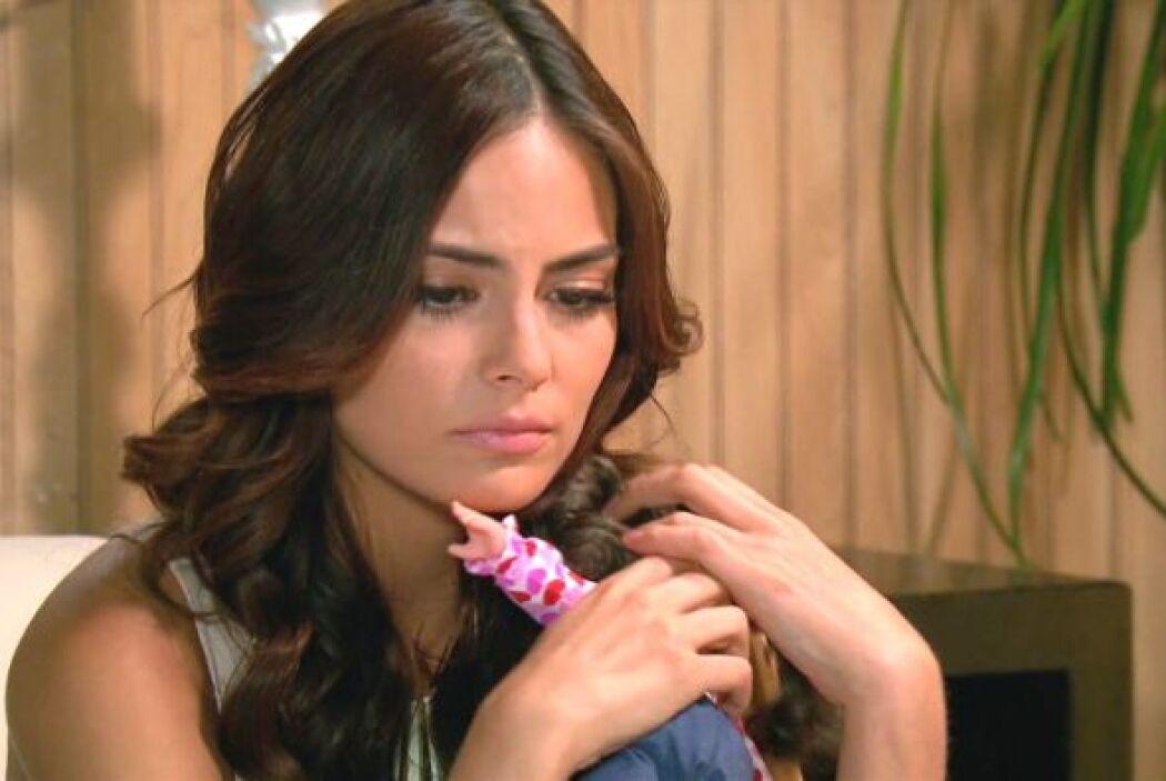 Marina sabía que Damián tenía toda la razón, pues dentro de sus pensamie...