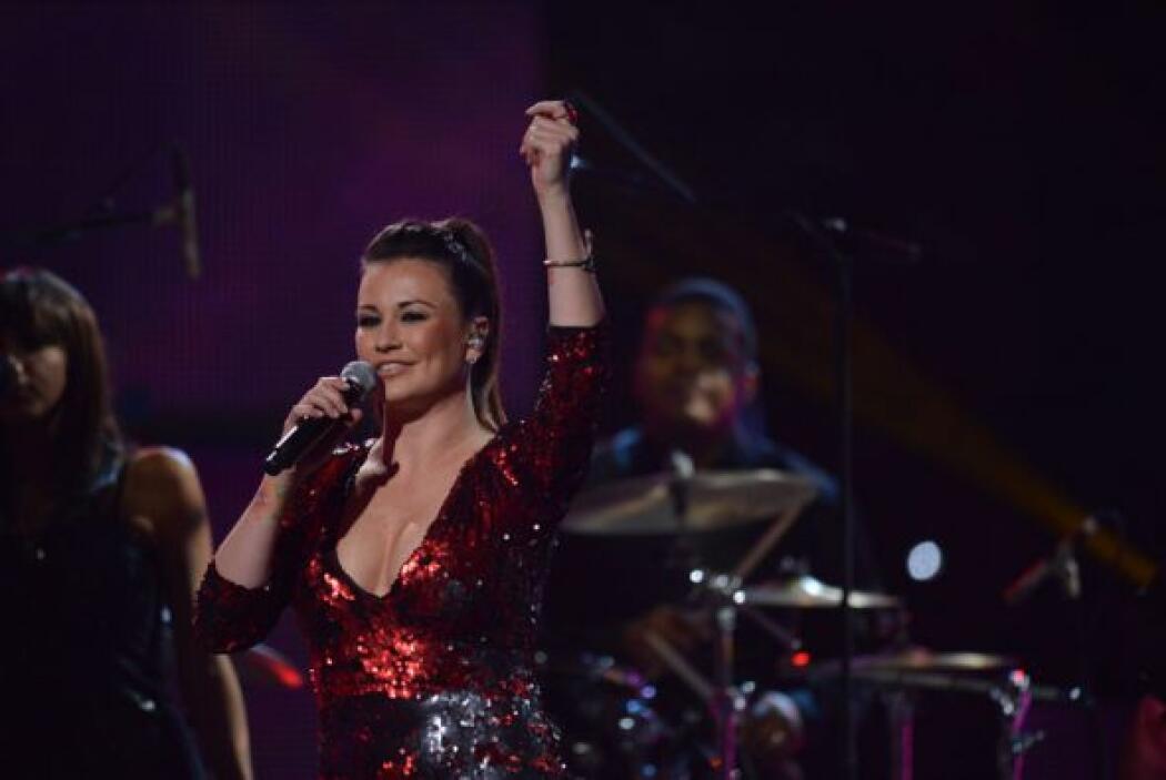 Durante el show, María José también lució un vestido escotado que dejó v...