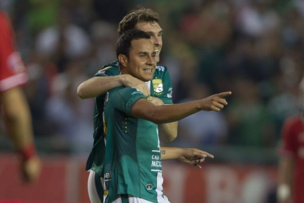 Luis Montes (9): El de mejor desempeño en la cancha. 'El Chapo' marcó la...