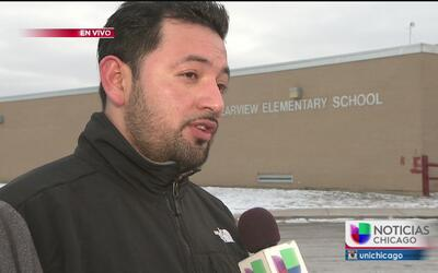 Quejas de padres de familia sobre condiciones de escuela en Waukegan
