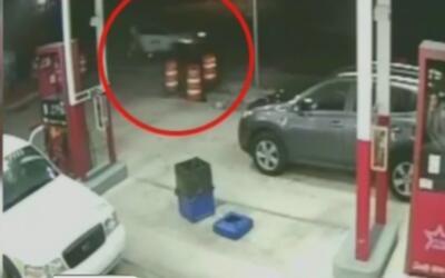 Revelan un video de un conductor que atropelló a un hombre y se dio a la...