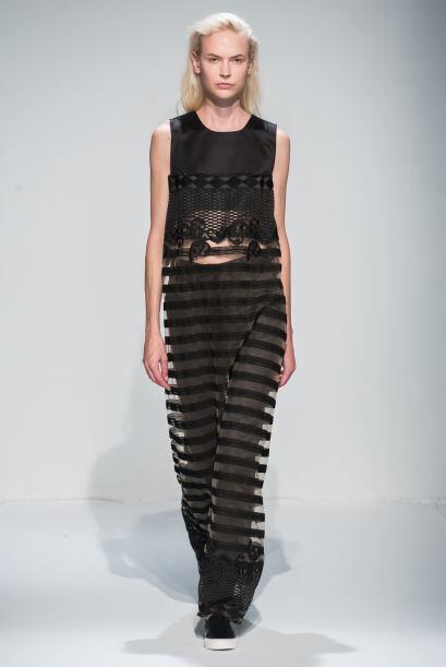 Para un look muy elegante, ¿qué te parecería usar las rayas en una tela...