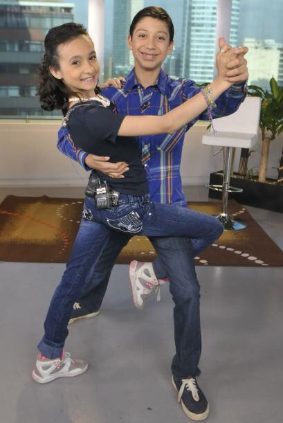 Los pequeños bailarines se preparan arduamente, sin duda son una pareja...