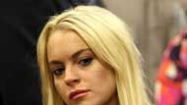Lindsay Lohan empezara a cumplir su sentencia de carcel e3b499f372364f74...