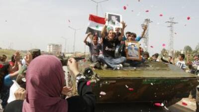 Algunos integrantes del ejército sirio han desertado en apoyo a la revue...