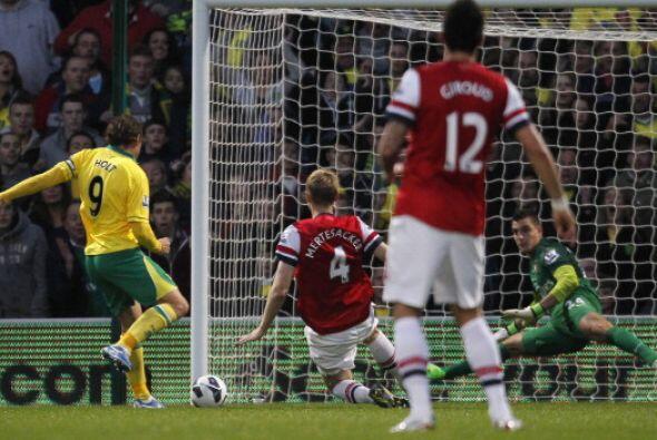 Grant Holt hizo el gol del Norwich en el minuto 19 de partido.