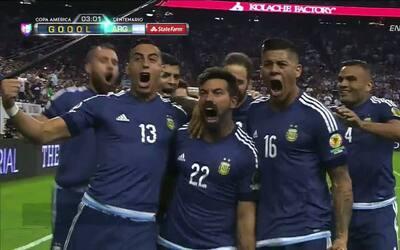 Gooool!!! Ezequiel Lavezzi remata de cabeza y anota para Argentina