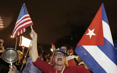 Himnos nacionales de Cuba y EEUU se entonaron con vigor en manifestación...