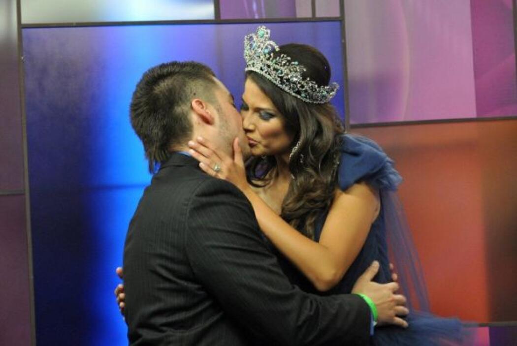 La reina de Nuestra Belleza Latina 2010 se casó a sus 19 años con Fernan...