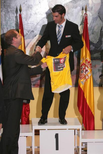 Luego de la sanción a Landis, el español Oscar Pereiro recibió el Maillo...