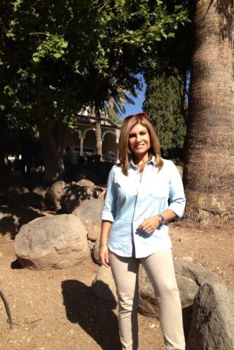 Teresa Rodríguez acompañada de una delegación de hispanos realizaron un...