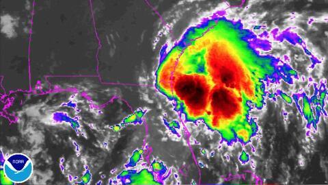La tormenta tropical Julia se debilita en su camino a Georgia