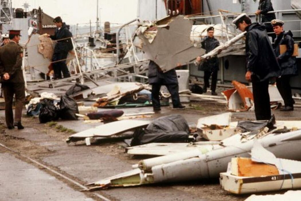 """6. Irlanda, 1985 """" Bomba explota en la sección de carga del avión: 329 m..."""