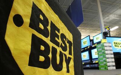 Veterano de la fuerza aérea está demandando a las tiendas Best Buy por r...