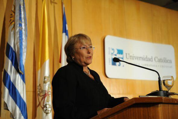 """Bachelet aseguró que trabajará intensamente para dar """"más oportunidades..."""