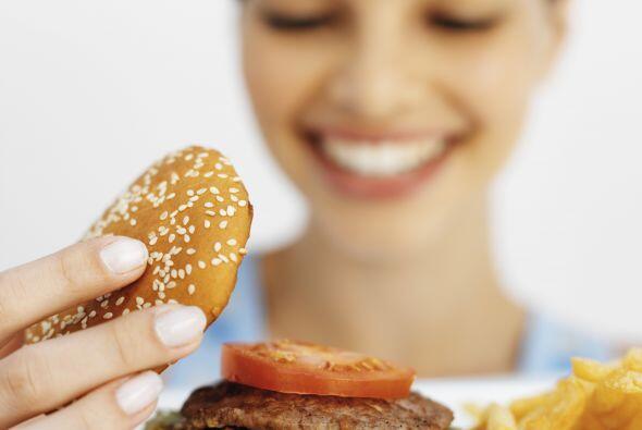 Come: un cuerpo sin comida es un motor sin gasolina, no funciona. Est&oa...