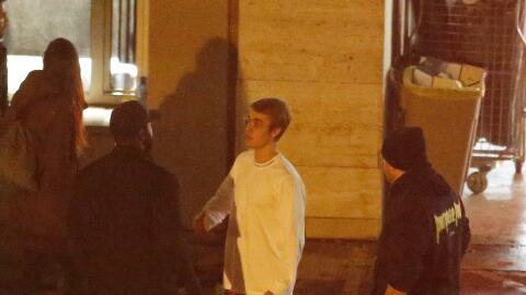 Bieber está muy molesto con sus guardaespaldas en Barcelona.