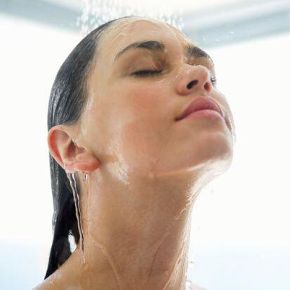 Este tipo de ducha se emplea en la hidroterapia, la cual consiste en la...