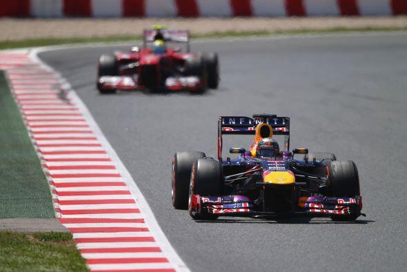Vettel, a la estela de Alonso, iba perdiendo en cada vuelta décimas y má...