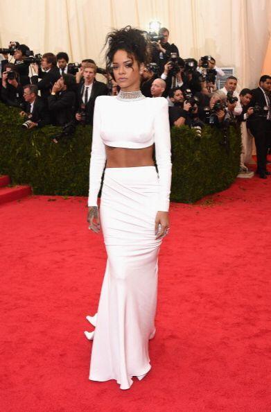 Rihanna no podía quedarse atrás y también se animó a lucir muy 'hot' y p...