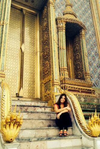 Y los hermosos y coloridos palacios atraen la atención de visitantes de...