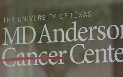 Cientos de empleados del hospital MD Anderson perderán sus trabajos