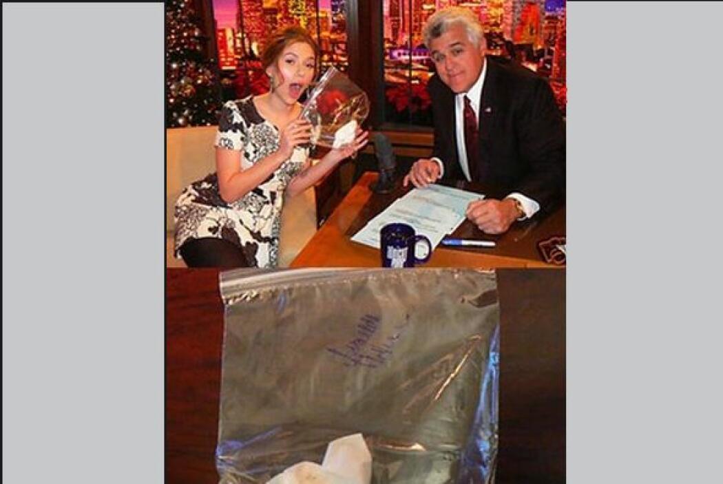 Pañuelo usado por Scarlett Johansson. Un comprador que no reveló su iden...