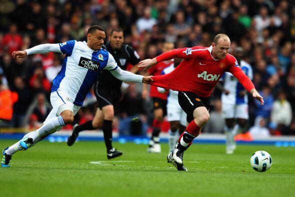 Manchester United enfrentó al Blackburn Rovers en un partido deci...