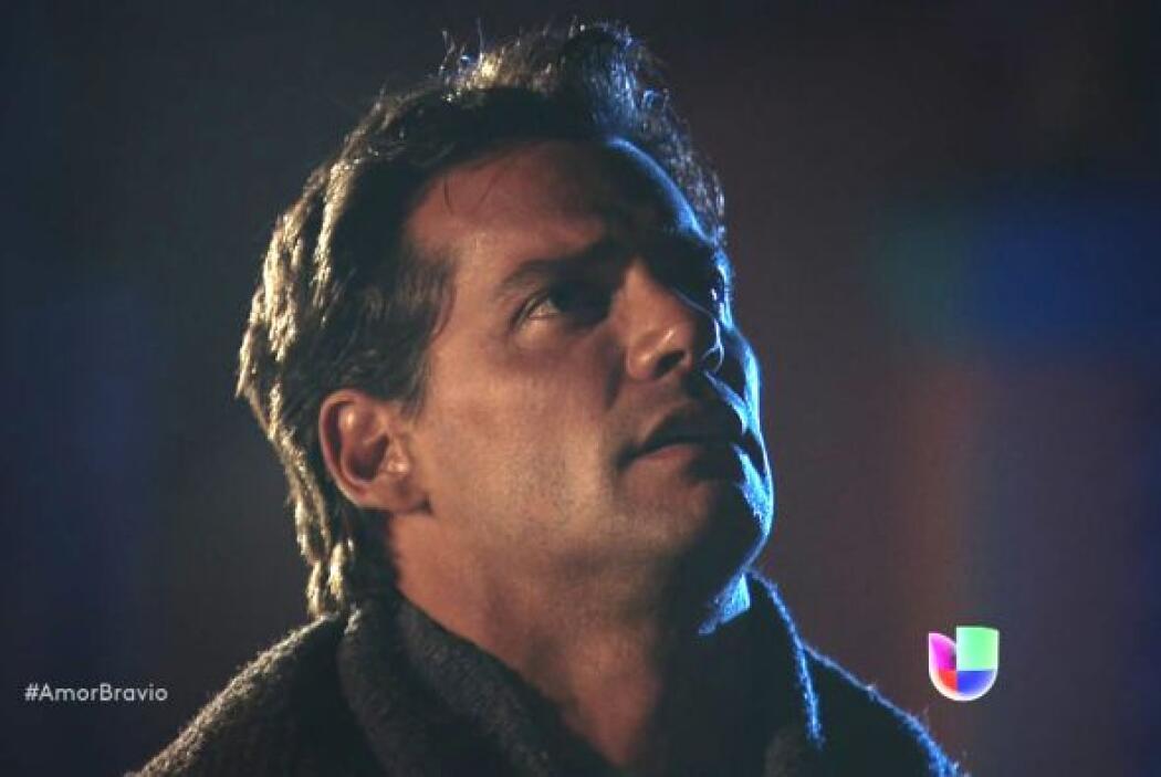 Daniel está a punto de unir su vida a la de Camila y agradece a Miriam p...