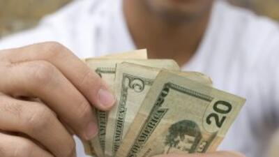 Los mexicanos que residen en el exterior enviaron en promedio 301.27 dól...