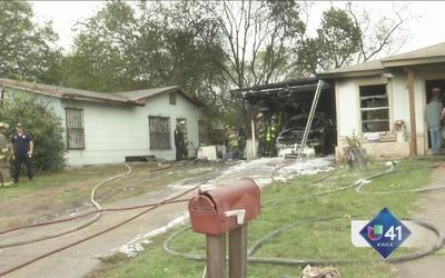 Familia y mascotas se salvan de incendio