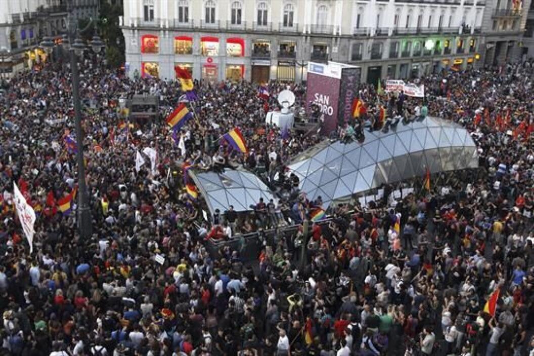 Aunque en Madrid, pasadas las 11:00 de la noche los manifestantes que co...