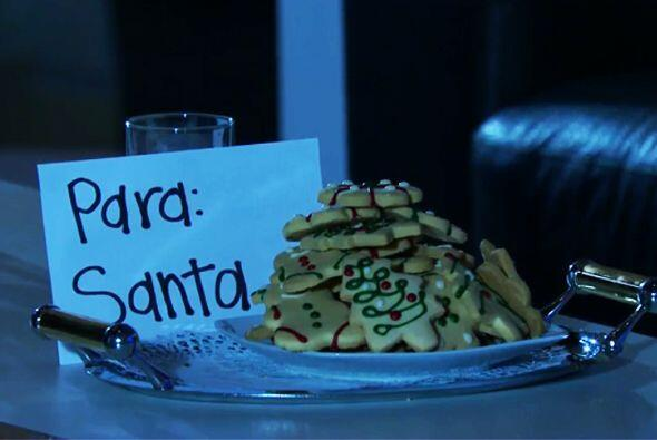 Esas galletas se ven deliciosas, Santa se llevó un gran regalo.