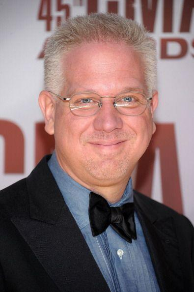 El tercer puesto en la lista lo ocupa el presentador estadounidense Glen...