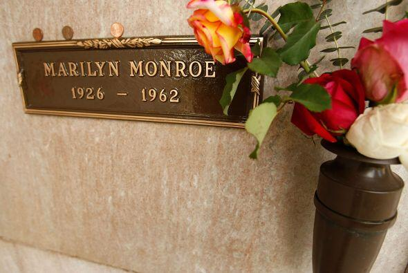 Existen varias teorías sobre su muerte, que involucran tanto a Fr...
