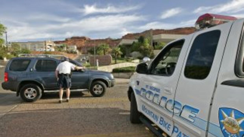 Al igual que la ley de Arizona, la ley migratoria de Utah otorga poderes...
