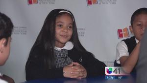 Niños hispanos esperan visita del Papa