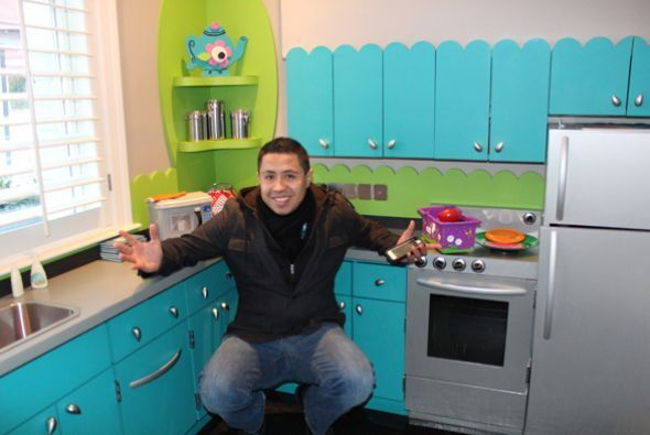 Edwin 'El Chilakil' te da un recorrido muy especial de 'La Casa Target'...