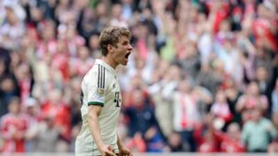 Thomas Mueller celebra el único gol del Bayern ante Wolfsburgo.