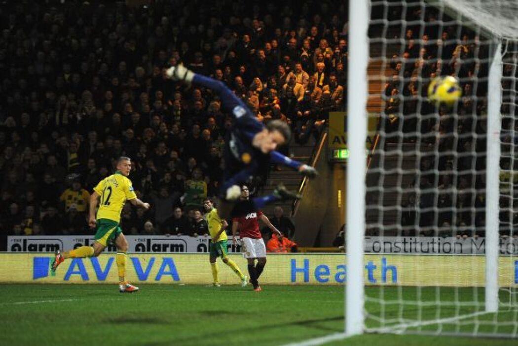 Anthony Pilkington anotó el gol del triunfo del Reading, con un disparo...